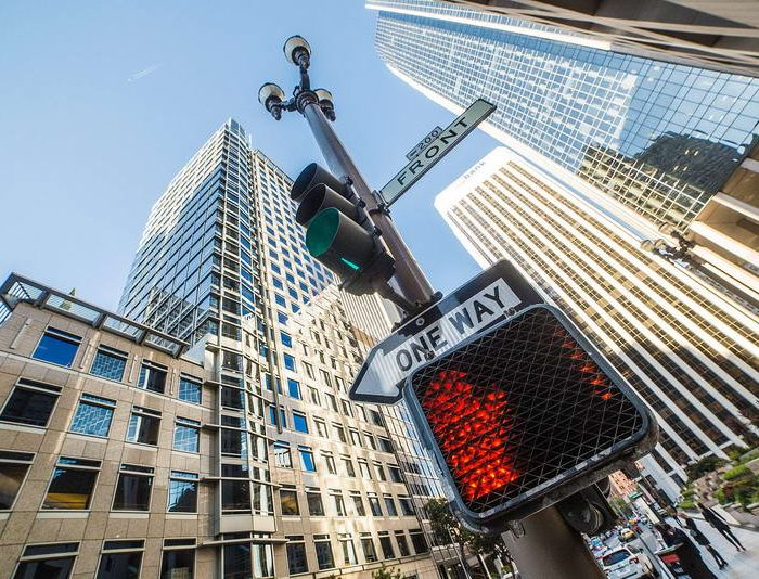 no-way-sign-on-traffic-light-pole-in-the-city_free_stock_photos_picjumbo_HNCK4010-2210x1474